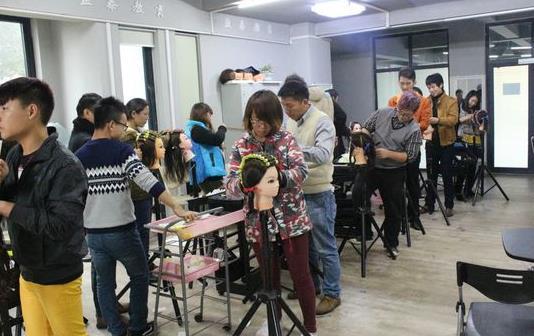 潍坊美发培训学校介绍美发行业的变化